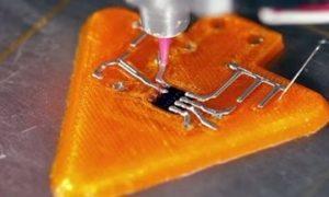 Тази схема се отпечатва 3D с Voxel8, първият в света електронен 3D принтер с много материали.